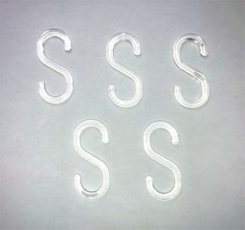 "Plastic Barrier Chain ""S"" Hook – clear plastic x 5"